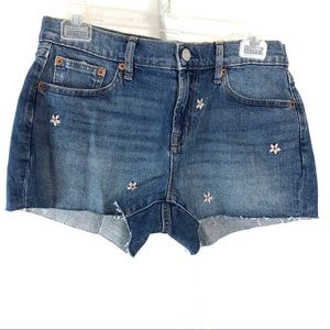"Gap Denim Size 27  Mid Rise 3"" Short"